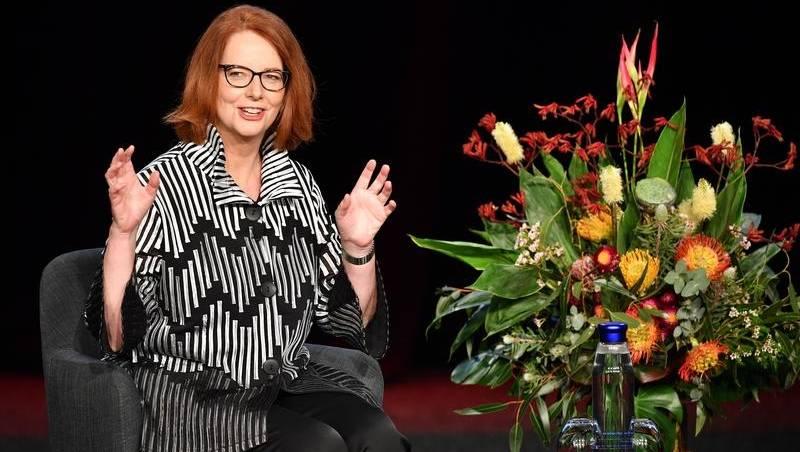 Pria juga harus menyebut seksisme: Gillard   Berita Guardian