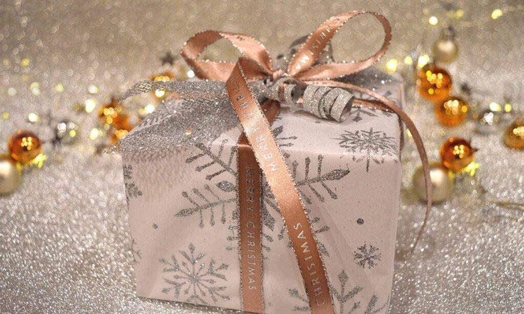 Pemenang Lotere Warrington Membantu Penduduk yang Membutuhkan Saat Natal