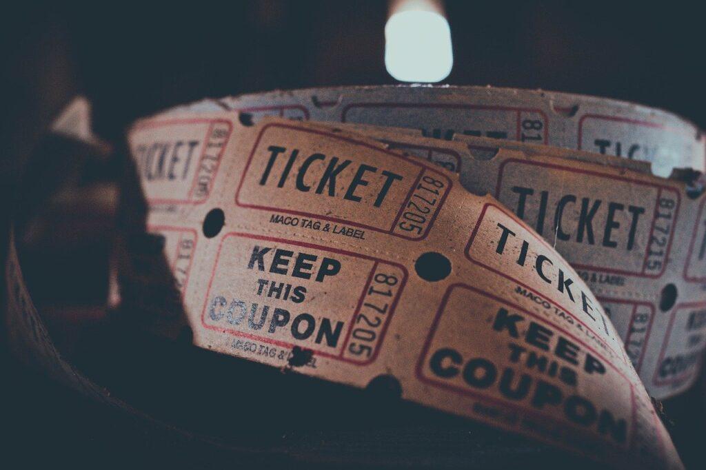 Pemain Menggunakan Nomor Lotere Movie dan memenangkan $ 2 juta