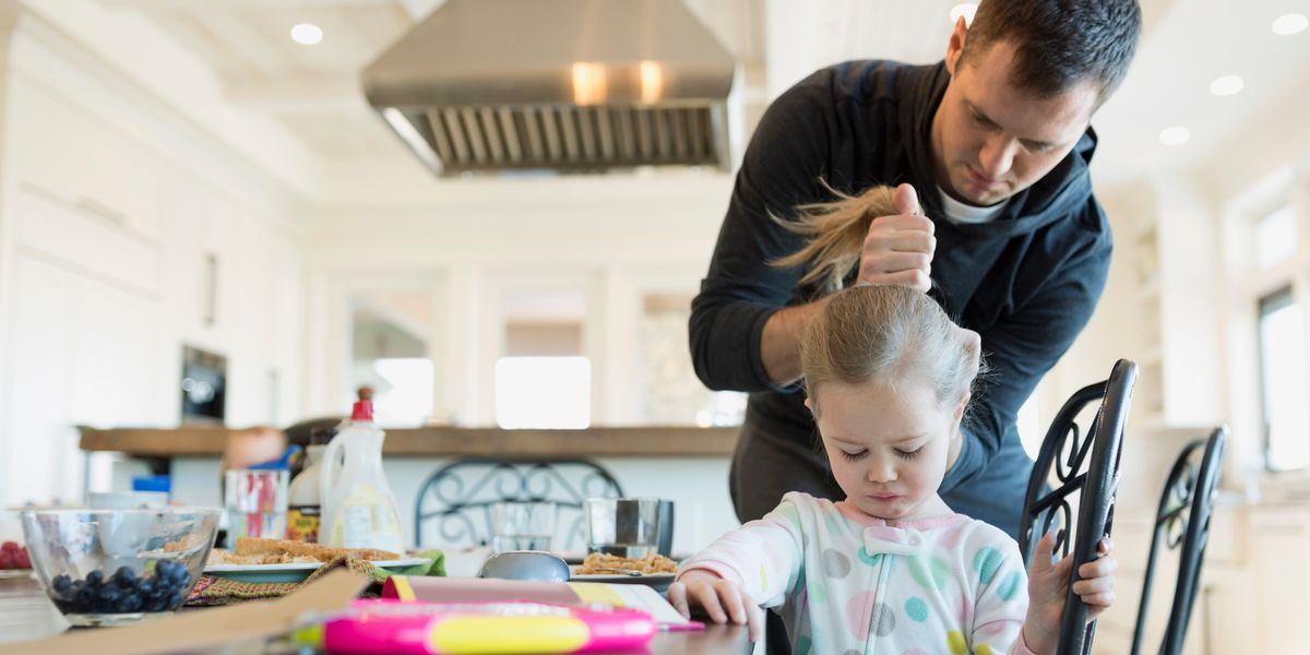 10 frase untuk menggambarkan ayah yang tidak mengurangi mereka menjadi babysitter