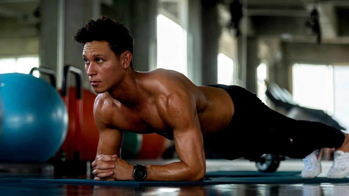 Cara papan: variasi papan terbaik untuk memperkuat inti, punggung, bahu, dan lainnya shoulders