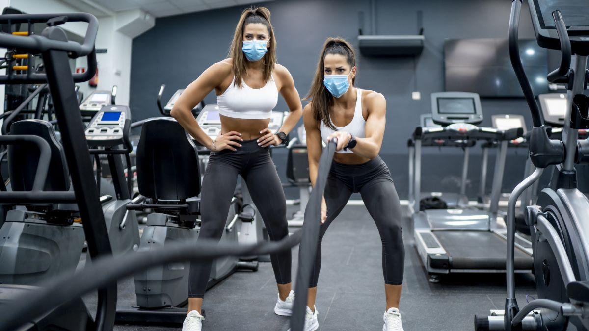 Pembukaan kembali gym: perlengkapan gym penting yang Anda perlukan untuk kembali ke gereja besi