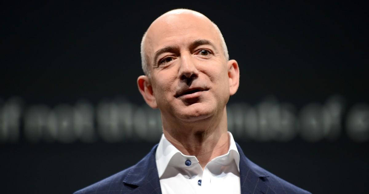 Perjalanan Jeff Bezos menjadi raja surat kabar: T&J; dengan penulis Brad Stone