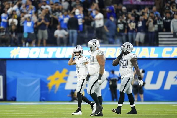 'Malam yang aneh': Cara memulai yang lambat dari Raiders membuat mereka kehilangan Chargers